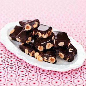 Chokladkola med julnötter