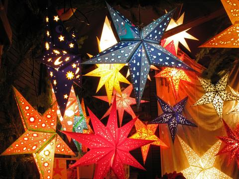 Adventsstjärnor i olika färger